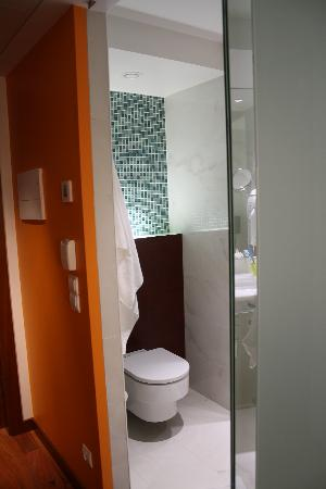 Aquashow Park Hotel: bathroom