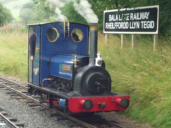 Llanuwchllyn, UK: A steam locomotive