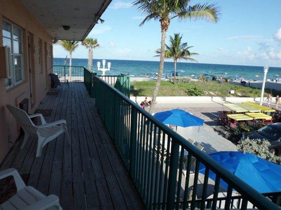 Paradise Oceanfront Hotel: Paradise Beachfront Hotel