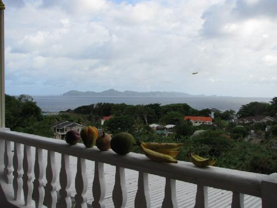 Bay-Hill Apartments: huge sea view balcony