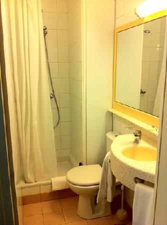 Grand Hotel des Balcons: Baño