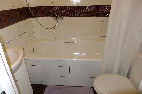 Parade Hotel: Junior suite No.1 - bathroom