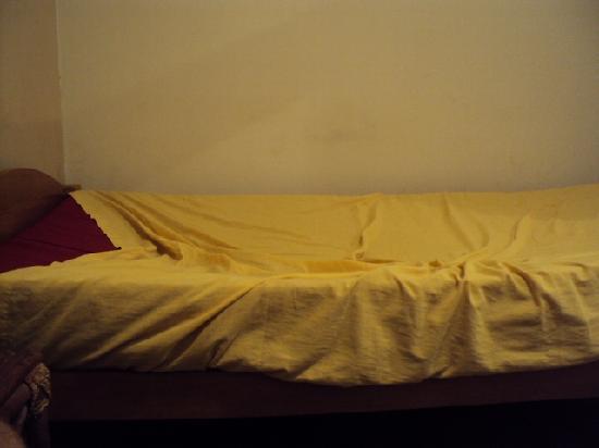 Hospedaje San Lucas: Beds are uncomfortable