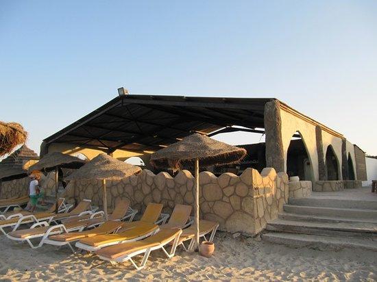 Hotel Cedriana: bar - restaurant de la plage