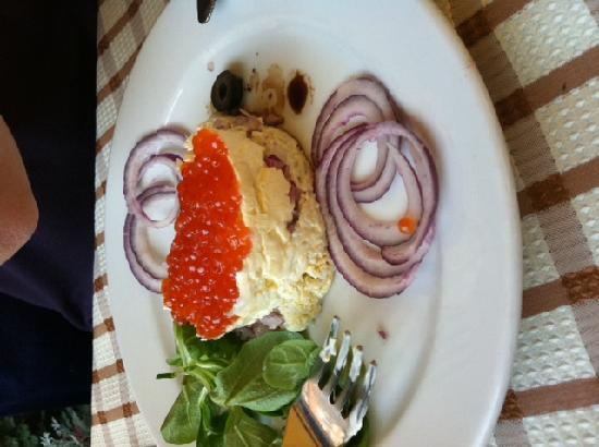 Bogart's Grand Cafe : Red Russian Caviar starter