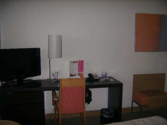 โรงแรมโนโวเทล อัมสเตอร์ดัมซิตี้โฮเต็ล: escritorio