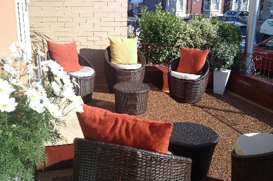 Ash Lea Hotel: terrace