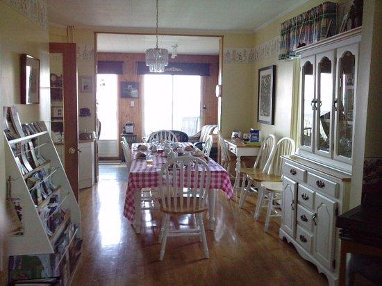 Carleton-sur-Mer, Canada: Comedor de la Gite