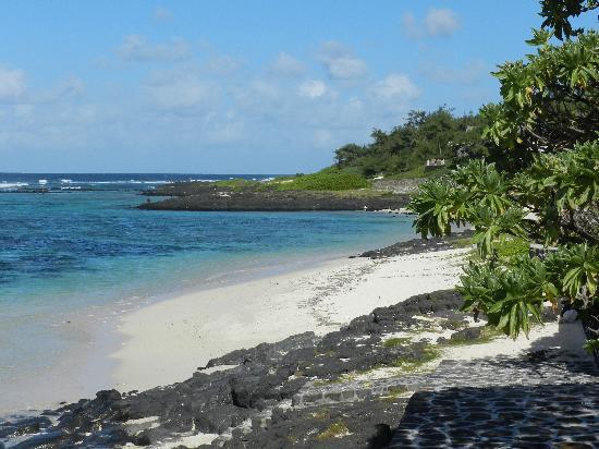 La Maison D'ete Hotel: la spiaggia e il mare davati a maison d'ètè