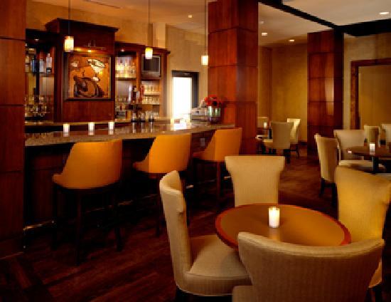 Holiday Inn Denver - Cherry Creek: Olives Martini Bar