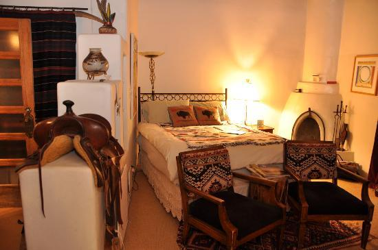 Touchstone Inn: The Dora Room