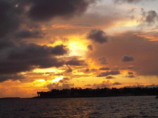 Hyatt Windward Pointe: Sunset from Mallory Square