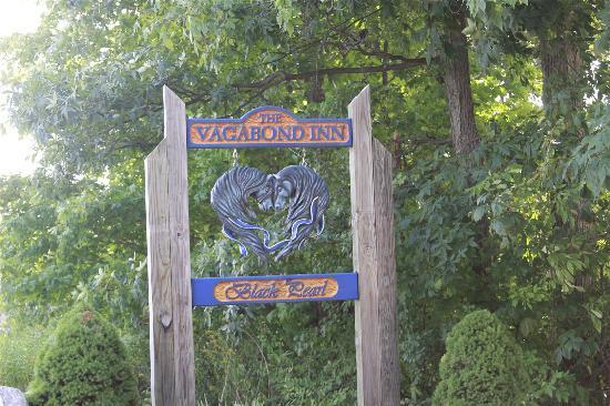 The Vagabond Inn: Sign out front