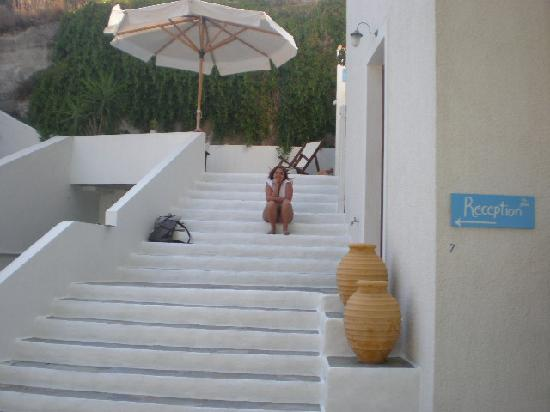 Villa Notos: The stairs to reception