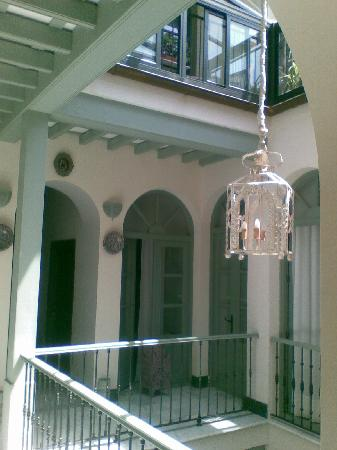 La Fonda Barranco: central patio from door of room 8