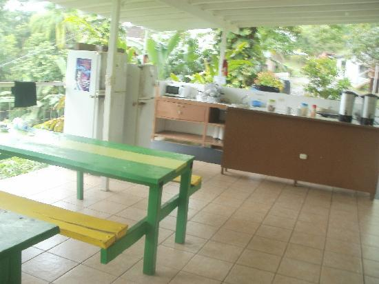Backpackers Manuel Antonio: mess hall