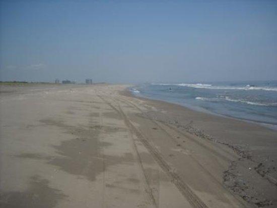 Kujukuri-machi, Japan: 地平線まで見える九十九里浜屋形海岸!