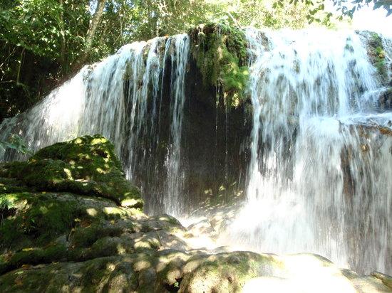 Edge Vanuatu : The upper cascades