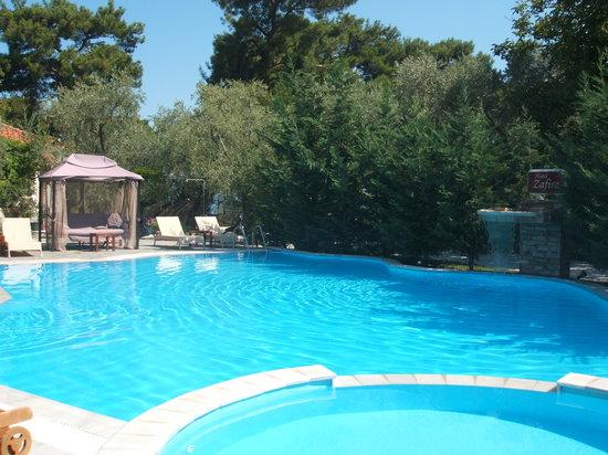 Studios Zafira: The pool