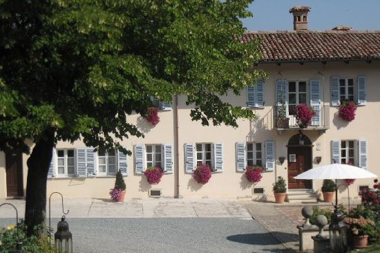 La casa in collina: La villa