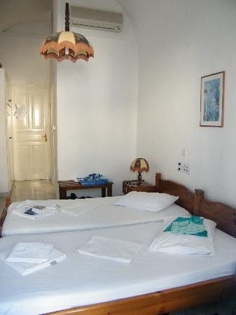 Levante Beach Hotel: Our room