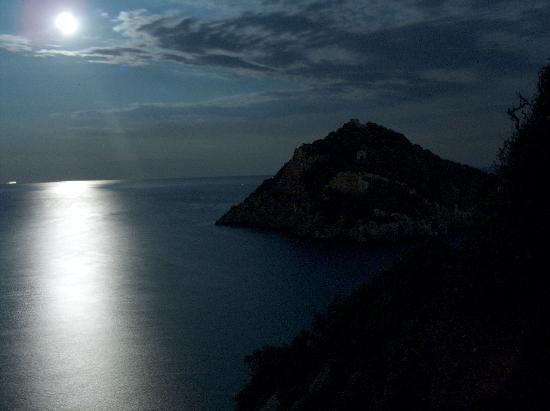 La Luna Sul Mare Foto Di Hotel Ristorante Melograno Spotorno