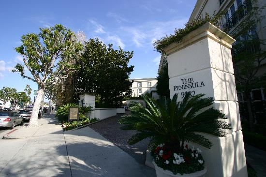 The Peninsula Beverly Hills: エントランス