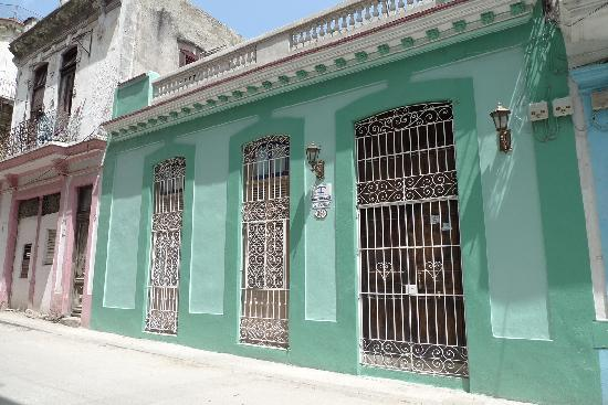 Casa Colonial 1715: Front