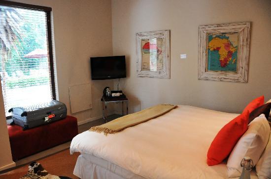 The Peech Hotel: room