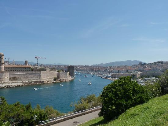 Palais du Pharo: Le vieux port
