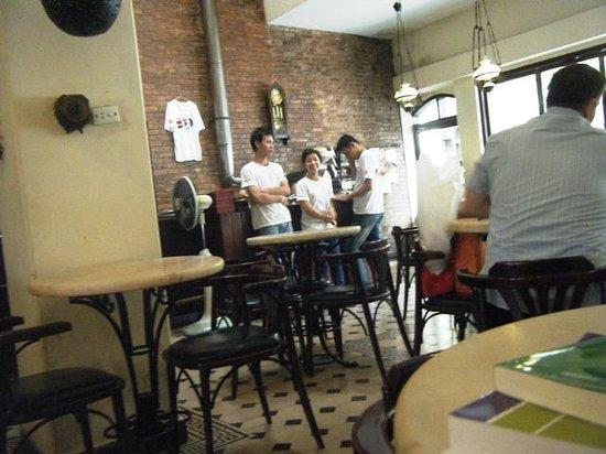 Moca Cafe : 店内2