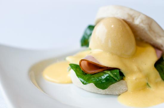 Sugar Hotel & Spa: Benedict Breakfast