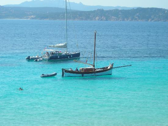 Villaggio Touring Club Italiano - La Maddalena: mari cristallini bellissime escursioni in barca  a vela