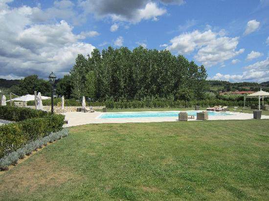 Villa Pitti Amerighi : large swimmingpool