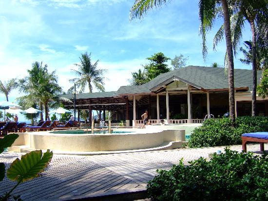 โรงแรมบานาน่า แฟนซี: Ristorante + piscina
