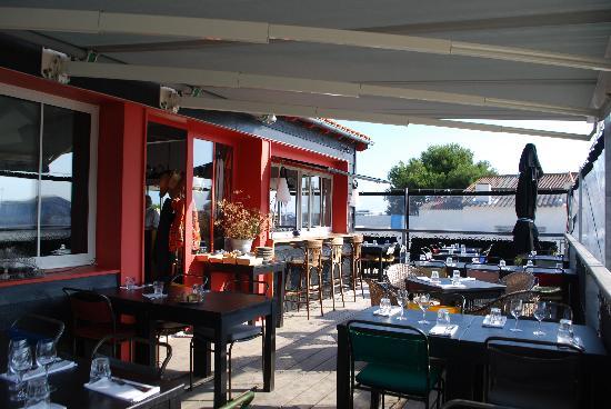 Coquillages et Crustacés : terrasse et bar extérieur