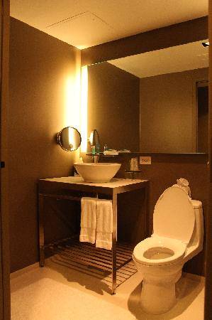 W New York - Times Square: Fanatastic Suite - separates WC