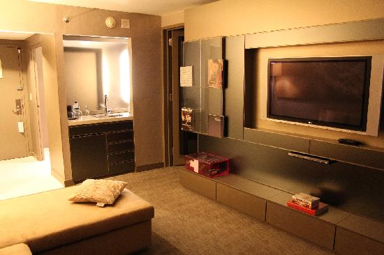 W New York - Times Square: Fanatastic Suite - Fernsehwand