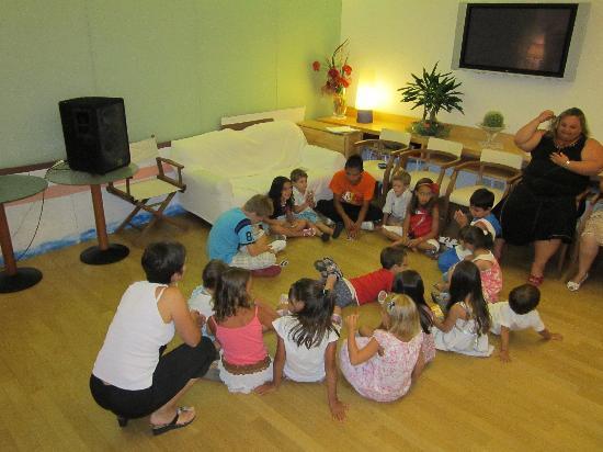 Hotel Rivazzurra Rimini: Animateur pour les enfants.