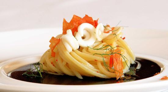 Ristorante Mediterraneo: Superspaghettone Verrigni al Nero di Seppia
