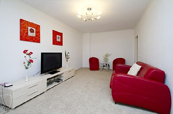 Luxury Kiev Apartments : Red & White Apartment