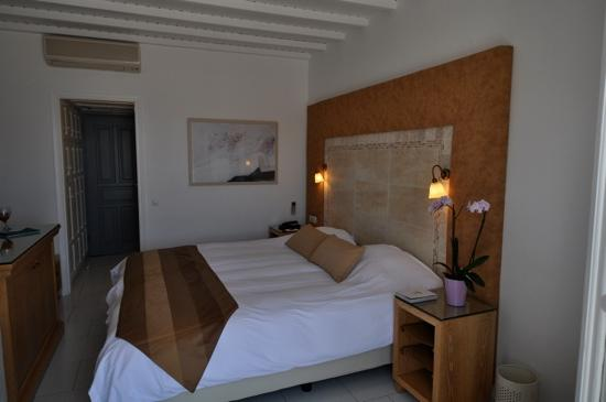 Myconian Ambassador Relais & Chateaux Hotel : deluxe room (all rooms are sea view)