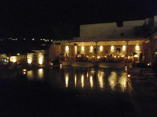Myconian Ambassador Relais & Chateaux Hotel: pool area at night