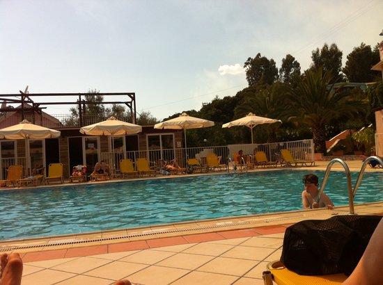 Marietta Studios & Rooms: Pool at Marietta