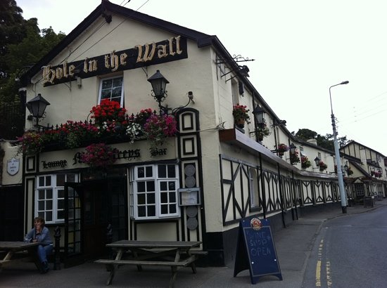 The Hole in the Wall : longest bar in Ireland for sure