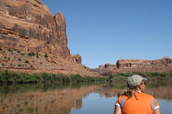 Moab Rafting and Canoe Company - Day Tour: Flatwater float on Colorado, east paddle as current provides push