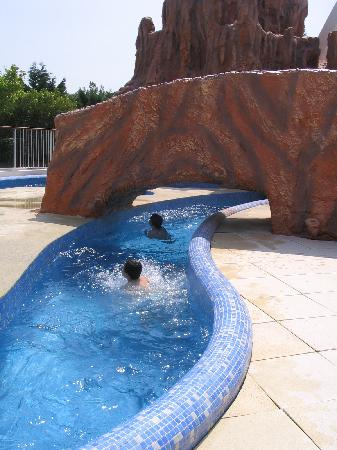 Camping Les Genets : The water rapid ride. A firm favourite at Les Genets.