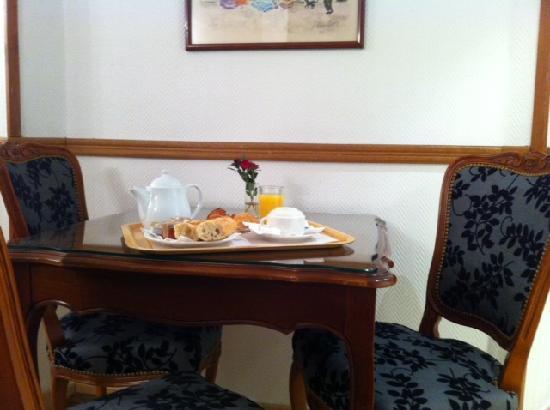 Hotel Saint Christophe: Brekfast room