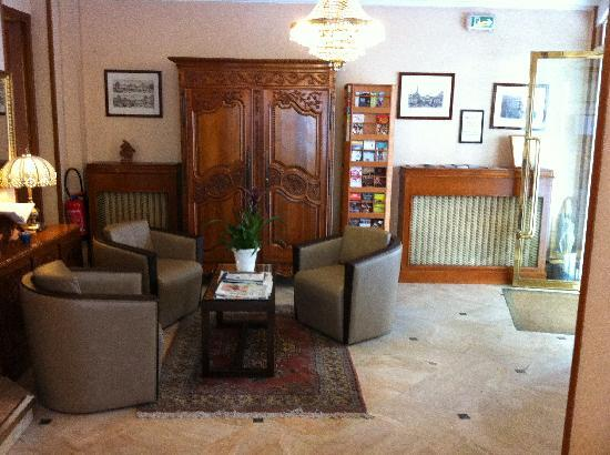 Hotel Saint Christophe: Reception Hall