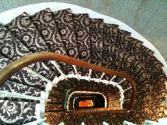 Hotel Saint Christophe: Staircase